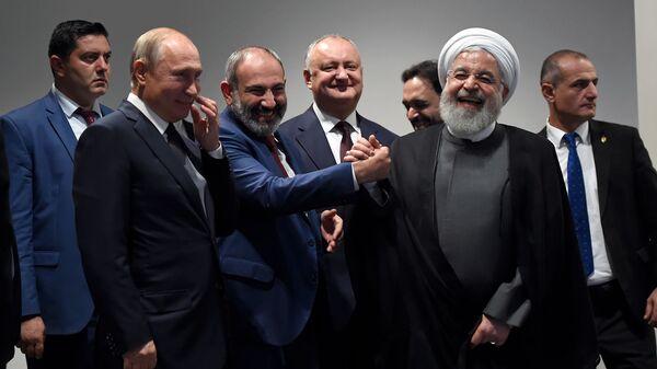 Главы стран-участниц Заседания Высшего Евразийского Экономического Совета в Центре креативных технологий Тумо (1 октября 2019). Еревaн - Sputnik Армения