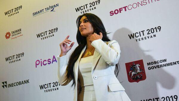 Ким Кардашьян посетила форум WCIT 2019 (8 октября 2019). Ереван - Sputnik Армения