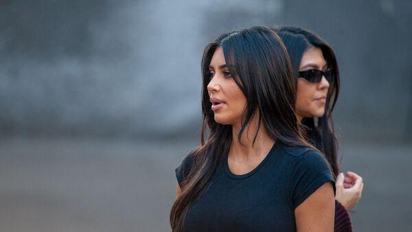 Ким Кардашьян посетила мемориальный комплекс Цицернакаберд (8 октября 2019). Ереван - Sputnik Արմենիա