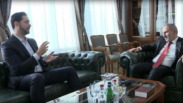 Премьер-министр Никол Пашинян встретился с Алексисом Оаняном - Sputnik Արմենիա