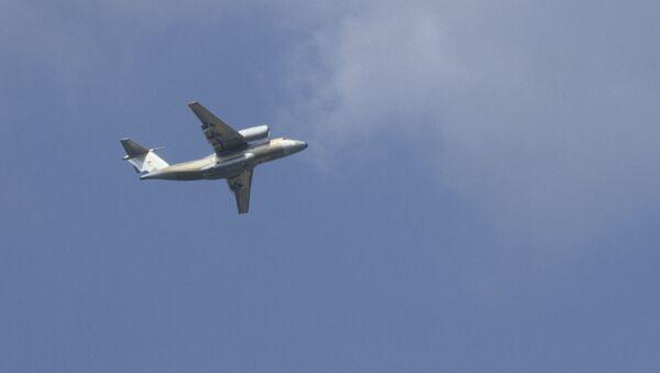 Ближнемагистральный транспортный самолет Ан-74. Архивное фото - Sputnik Армения