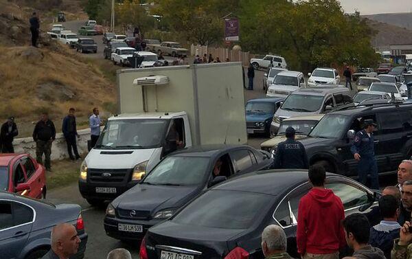 Жители села Агавнадзор перекрыли трассу Ереван-Мегри (12 октября 2019). Агавнадзор - Sputnik Армения