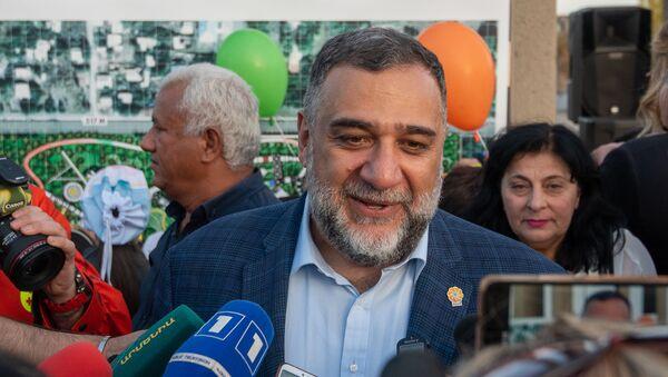 Соучредитель гуманитарной инициативы Аврора Рубен Варданян ответил на вопросы журналистов после церемонии презентации парка Дружбы (17 октября 2019). Гюмри - Sputnik Армения