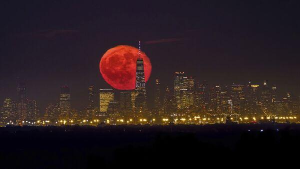 Восход кровавой луны над небоскребами Нью-Йорка - Sputnik Արմենիա