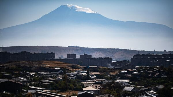 Вид на гору Арарат и город Ереван. - Sputnik Армения
