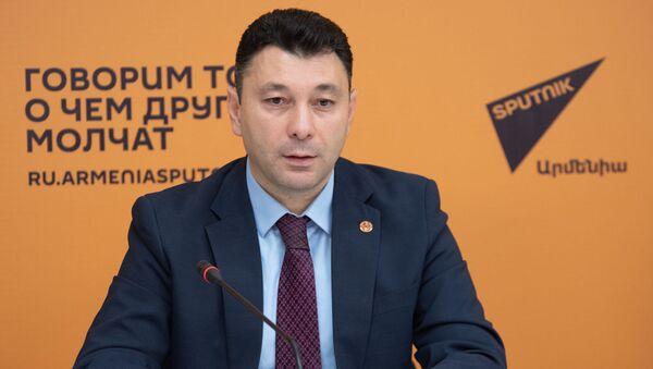 Пресс-конференция Эдуарда Шармазанова (20 октября 2019). Еревaн - Sputnik Արմենիա