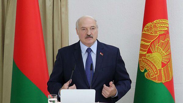 Александр Лукашенко в Академии управления при Президенте Республики Беларусь - Sputnik Армения