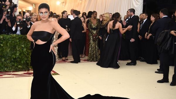 Американская модель Кайли Дженнер на Met-Gala (7 мая 2018). Нью-Йорк - Sputnik Армения