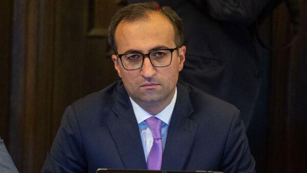 Министр здравоохранения Арсен Торосян на заседании правительства Армении (24 октября 2019). Еревaн - Sputnik Արմենիա