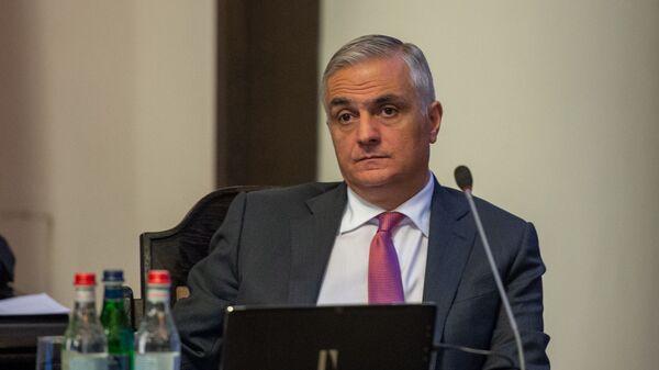 Вице-премьер Мгер Григорян на заседании правительства Армении (24 октября 2019). Еревaн - Sputnik Արմենիա