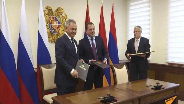 Министр обороны России Сергей Шойгу прибыл в Армению.  - Sputnik Армения