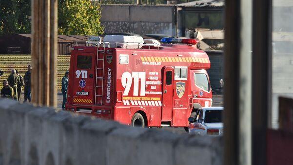 Пожарные расчеты МЧС Армении на территории аэропорта Эребуни (4 ноября 2019). Еревaн - Sputnik Արմենիա