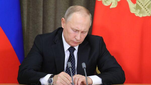 Президент РФ В. Путин провел совещание по вопросам обеспечения технического переоснащения Вооруженных сил - Sputnik Армения