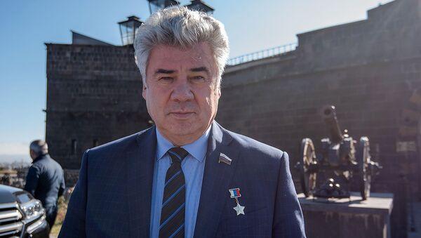 Виктор Бондарев после заседания Межпарламенской комиссии по сотрудничеству НС РА и ФС РФ (6 ноября 2019). Гюмри - Sputnik Армения