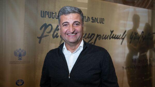 Режиссер фильма Я подарю тебе победу Арсен Агаджанян на премьере фильма (7 ноября 2019). Еревaн - Sputnik Армения