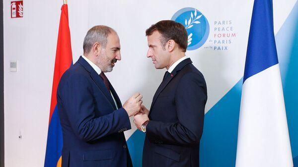 Премьер-министр Армении Никол Пашинян встретился с президентом Франции Эмануэлем Макроном в рамках Второго Парижского форума мира (12 ноября 2019). Париж - Sputnik Армения