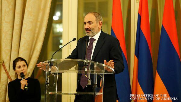 Премьер-министр Армении Никол Пашинян встретился с армянской диаспорой Франции (12 ноября 2019). Париж - Sputnik Արմենիա