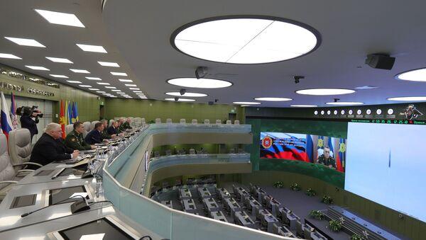 Президент РФ В. Путин посетил Национальный центр управления обороной РФ - Sputnik Армения