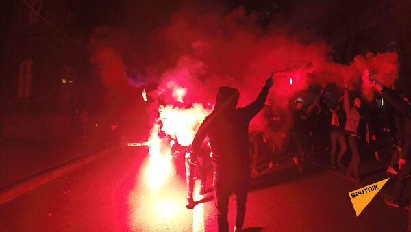 Шествие футбольных фанатов по улицам Еревана - Sputnik Армения