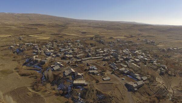 Вид на село Зовасар Арагацотнской области Армении с высоты птичьего полета - Sputnik Армения