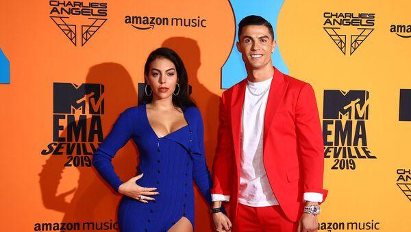 Криштиану Роналду и Джорджина Родригес прибывают на European MTV Awards в Севилье (3 ноября 2019). Испания - Sputnik Армения