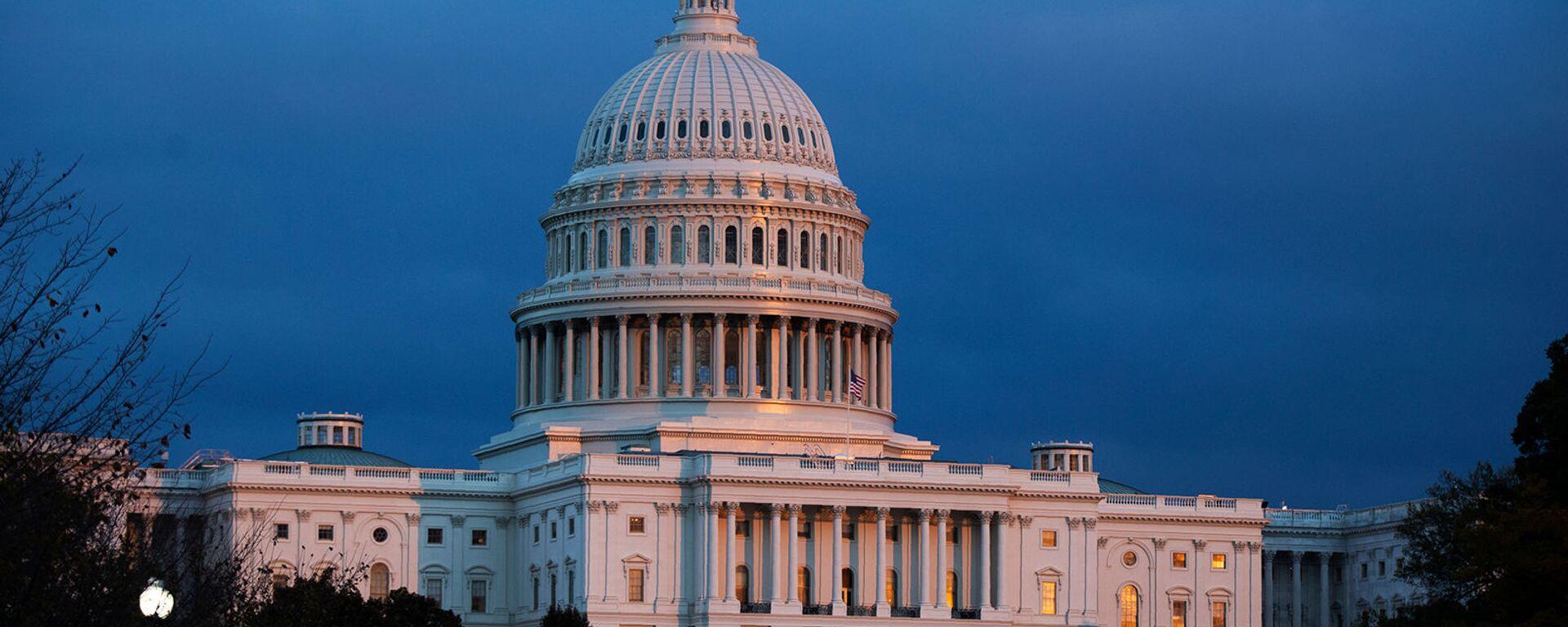 Капитолий США во время заката (12 ноября 2019). Вашингтон - Sputnik Արմենիա, 1920, 06.01.2021