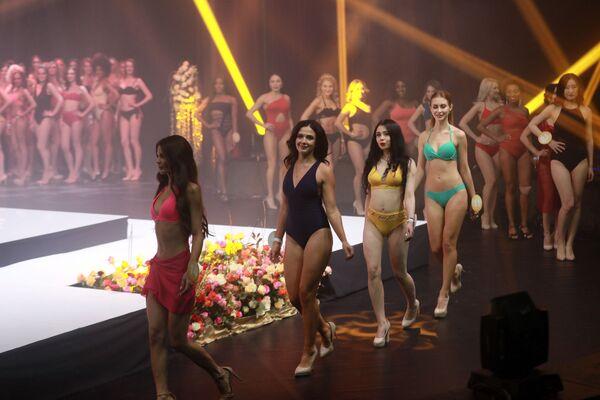Участницы финала международного конкурса Miss Fashion 2019 – GODDESS OF THE UNIVERSE в концертном зале Vegas City Hall в Москве - Sputnik Армения