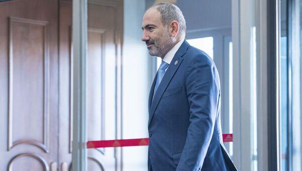 Премьер-министр Армении Никол Пашинян перед началом саммита глав государств-членов ОДКБ (28 ноября 2019). Бишкек - Sputnik Армения