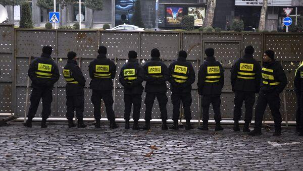 Полицейское оцепление во время акции протеста оппозиции в Грузии (28 ноября 2019). Тбилиси - Sputnik Արմենիա