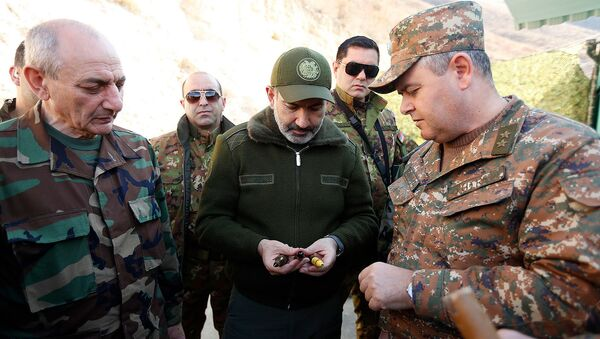 Премьер-министр Армении Никол Пашинян и президент Карабаха Бако Саакян побывали на оборонительных позициях Карабаха (30 ноября 2019). Карабах - Sputnik Արմենիա