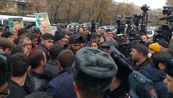 Акция протеста перед зданием Парламента Армении (4 декабря 2019). Еревaн - Sputnik Արմենիա