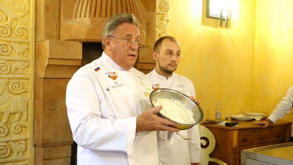 Кремлевский повар провел мастер-класс для гурманов Армении - Sputnik Армения