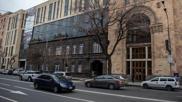 Здание по адресу Амиряна 2 - Sputnik Արմենիա