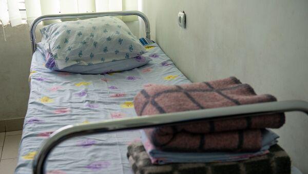 Больниная койка в медицинского центра Сурб Асвацамайр - Sputnik Արմենիա