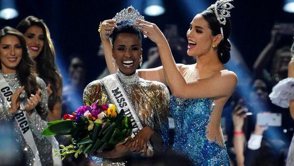Победительница международного конкурса красоты Мисс Вселенная в 2019 году представительница ЮАР Зозибини Тунзи - Sputnik Армения