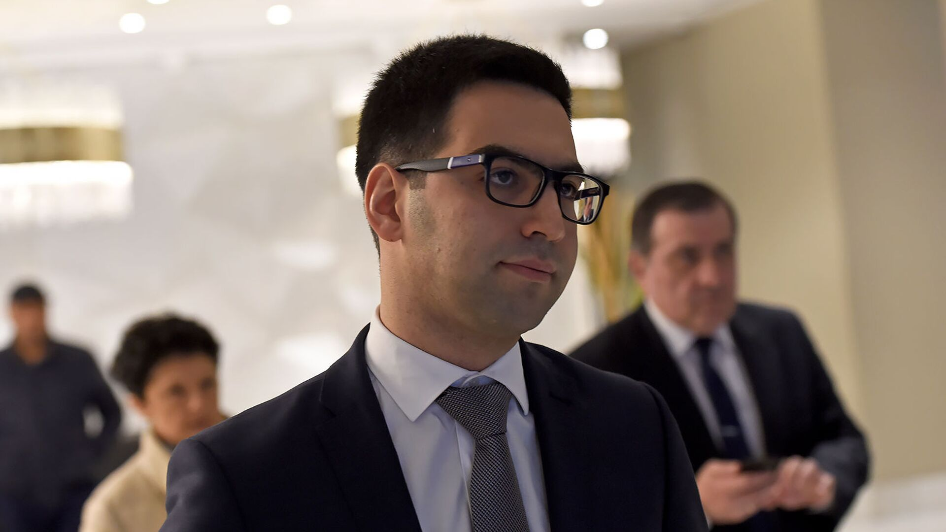 Министр юстиции Армении Рустам Бадасян после третйего форума армяно-грузинского юридического сотрудничества (9 декабря 2019). Еревaн - Sputnik Армения, 1920, 14.10.2021