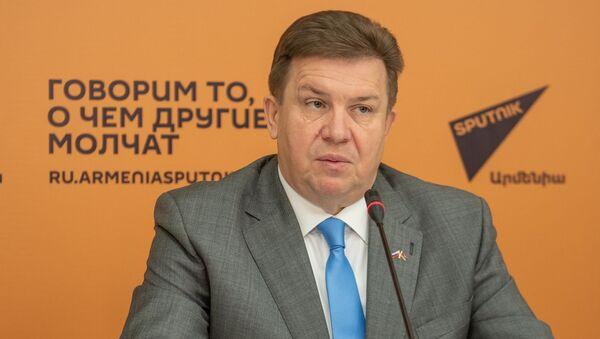 Tорговый представитель России в Армении Андрей Бабко на пресс-конференции по итогам года в мультимедийном пресс-центре Sputnik Армения (12 декабря 2019). Еревaн - Sputnik Армения
