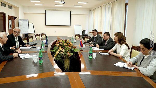 Экспертная группа НАТО посетила министерство обороны Армении - Sputnik Армения