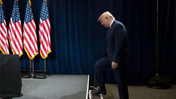 Президент США Дональд Трамп перед выступлением в Джорджийском Всемирном Конгресс-центре (8 ноября 2019). Атланта - Sputnik Армения
