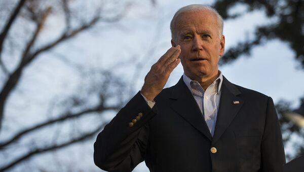 Кандидат в президенты от Демократической партии и бывший вице-президент США Джо Байден во время кампании (13 декабря 2019). Сан-Антонио - Sputnik Армения