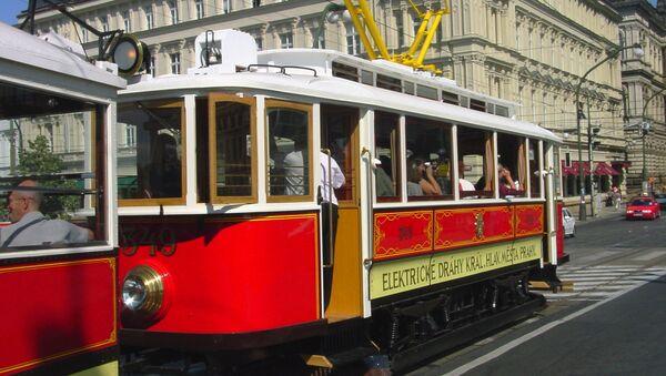 Старинный трамвай в Праге - Sputnik Армения