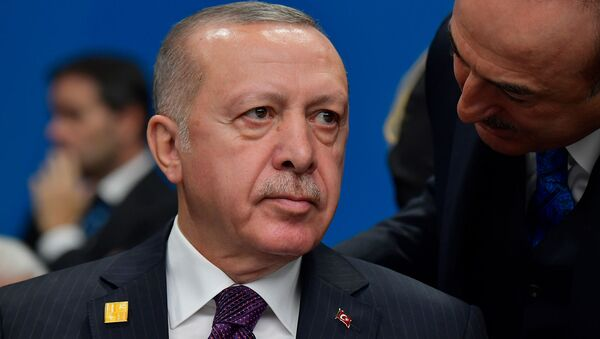 Президент Турции Реджеп Тайип Эрдоган на пленарном заседании саммита НАТО (4 декабря 2019). Лондон - Sputnik Армения