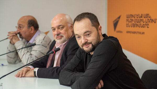 Пресс-конференция в преддверии концерта памяти Петроса Айказяна (18 декабря 2019). Еревaн - Sputnik Армения