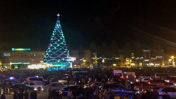 Торжественная церемония зажжения огней главной елки Ширака (20 декабря 2019). Гюмри - Sputnik Արմենիա
