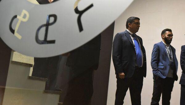 Проигравший выборы президента Федерации футбола Армении Товмас Григорян вышел к журналистам после объявления итогов голосования на внеочереднм заседании ФФА (23 декабря 2019). Еревaн - Sputnik Արմենիա
