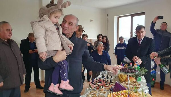 Президент Карабаха Бако Саакян на новоселье военнослужащих из Мартуни (29 декабря 2019). Карабах - Sputnik Արմենիա