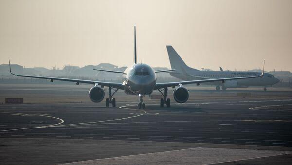 Самолет юбилейного рейса Ереван - Москва приземляется в аэропорту Звартноц (30 декабря 2019). Ереван - Sputnik Արմենիա