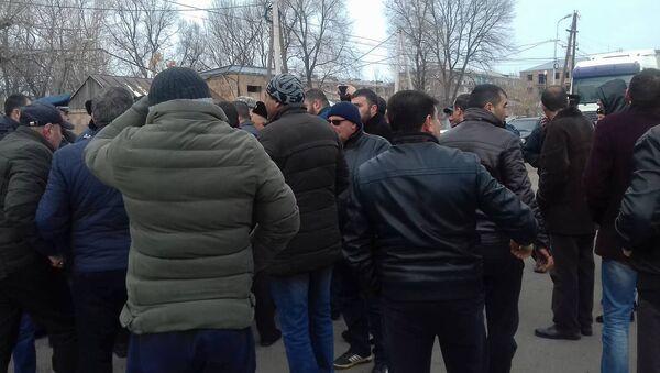 Жители общины Ани перекрыли трассу Гюмри-Ереван (8 января 2020). Маралик - Sputnik Армения