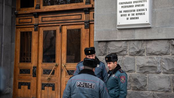 Акция протеста матерей пропавших из роддома детей перед зданием генпрокуратуры Армении (10 января 2020). Еревaн - Sputnik Արմենիա
