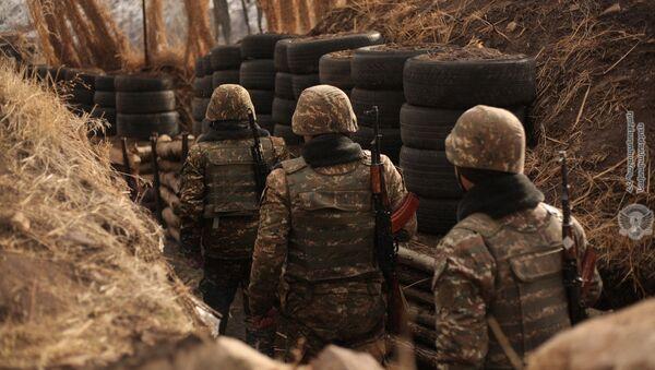 Армянские военнослужащие на смене боевого дежурства - Sputnik Армения
